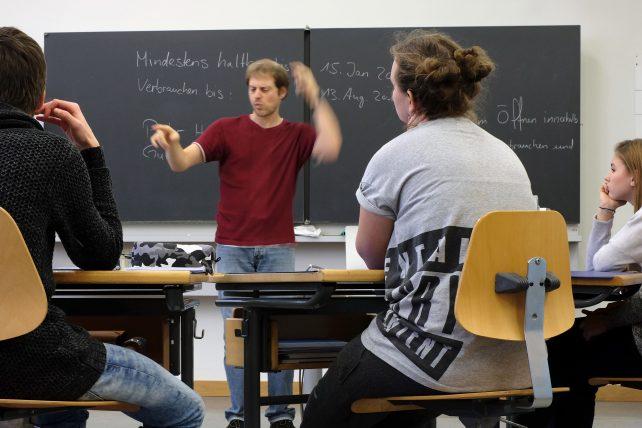 Gebärdensprache an der Sekundarschule für Gehörlose